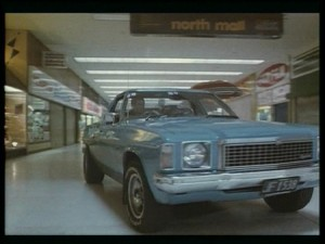 The Quiet Earth (Review)   qe car in mall cr 300x225 sci fi reviews drama