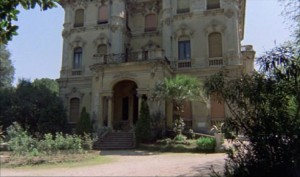 Antropophagus   Antro mansion 300x177 reviews horror