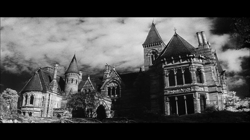 The Haunting Mansion 300x168 Reviews Horror